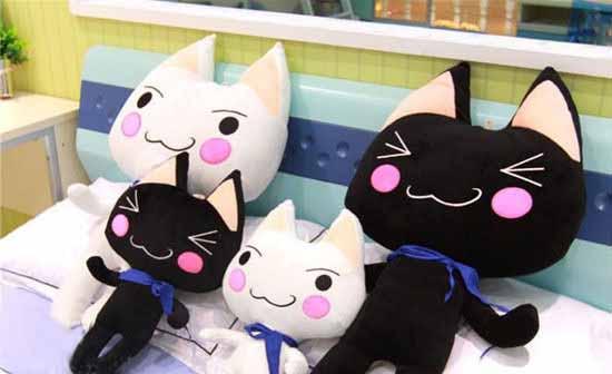 可爱多罗猫情侣抱枕