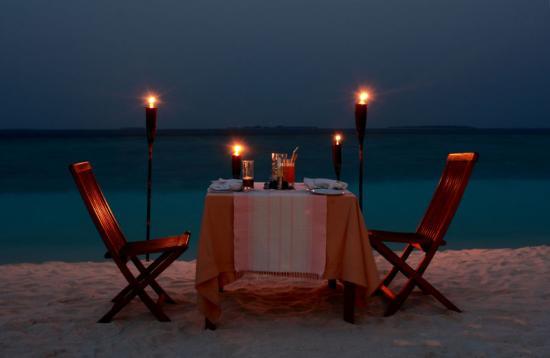 马尔代夫meed归来;   在海边烛光晚餐一定很浪漫~~~; 水晶