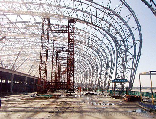 沈阳桃仙机场t3航站楼钢结构封顶