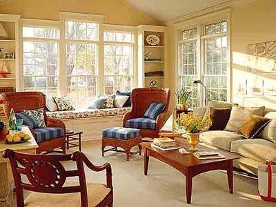 暗红色的家具在米黄色的主色调中显目-欧式传统古典客厅大赏 奢华与