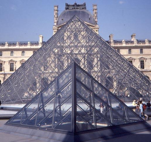 美籍华裔建筑设计师贝聿铭受邀改建卢浮宫(图)